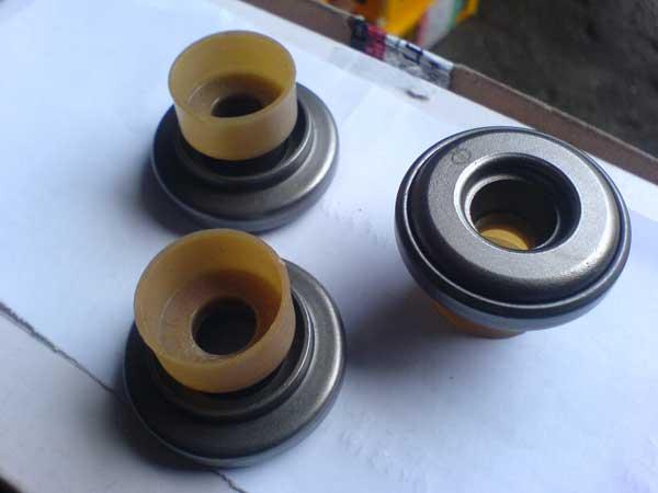 Сальник клапана 8N7782+6N7174M на дизельный двигатель Shanghai Diesel С6121 1W5300, купить в Киеве.